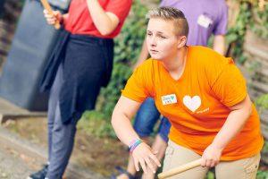 Spiel und Spaß beim Schwedenschach bei der queeren Fahrt NRW, Foto: Marius Steffen, www.mariussteffen.de
